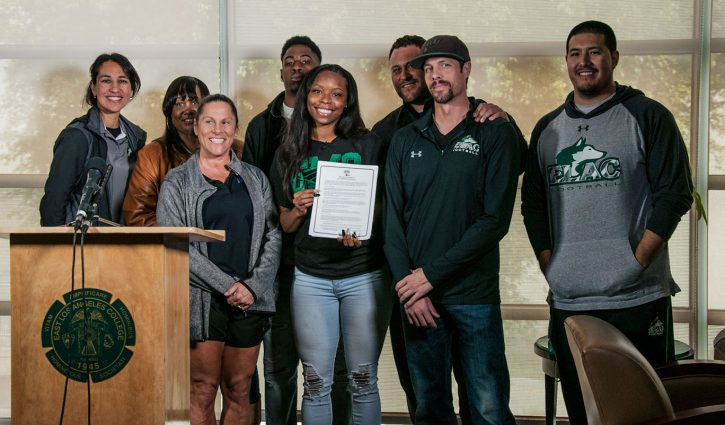Toni Harris makes college selection - East Los Angeles ...